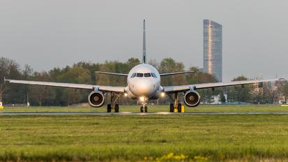 TC-ODC - Onur Air Airbus A320
