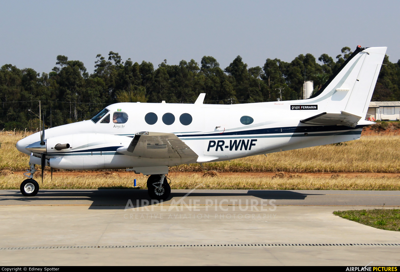 Private PR-WNF aircraft at Jundiaí, SP