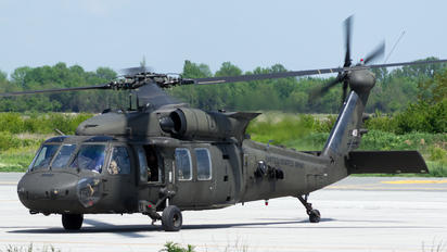 11-20413 - USA - Army Sikorsky H-60L Black hawk