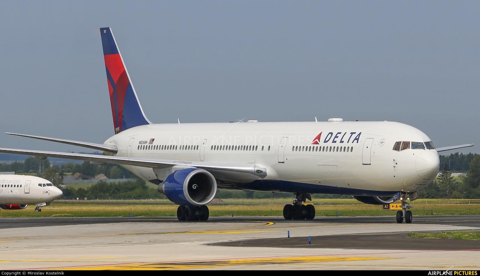 Delta Air Lines N826MH aircraft at Prague - Václav Havel