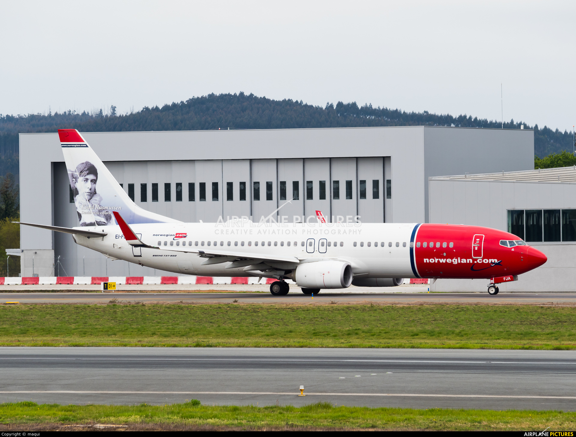 Norwegian Air International EI-FJA aircraft at Santiago de Compostela
