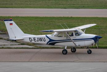 D-EJWU - Private Cessna 172 Skyhawk (all models except RG)