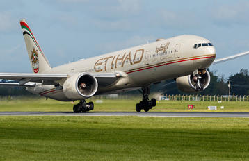 A6-ETJ - Etihad Airways Boeing 777-300ER