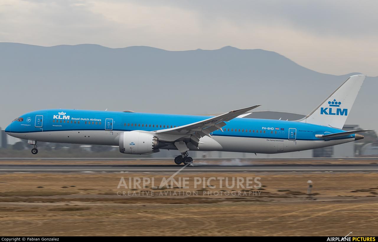 KLM PH-BHD aircraft at Santiago de Chile - Arturo Merino Benítez Intl