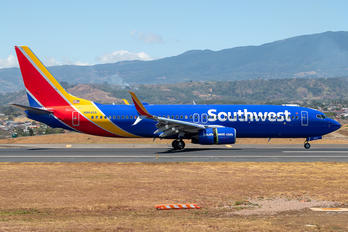 N8643A - Southwest Airlines Boeing 737-800