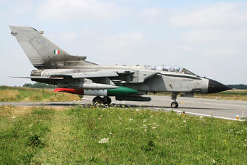 MM7041 - Italy - Air Force Panavia Tornado - IDS