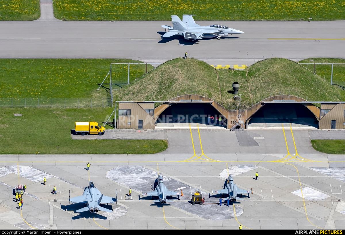 - Airport Overview 169654 aircraft at Meiringen