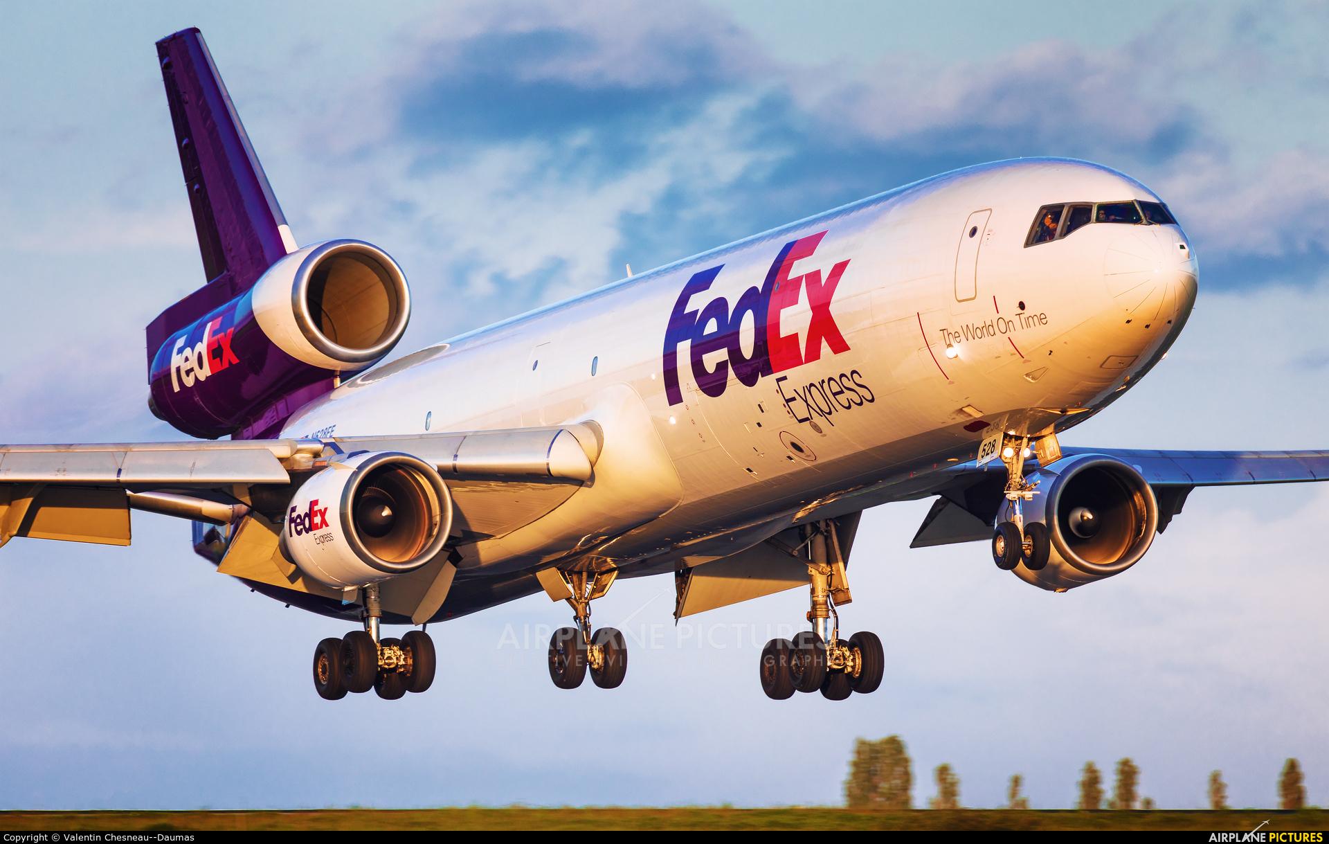 FedEx Federal Express N528FE aircraft at Paris - Charles de Gaulle