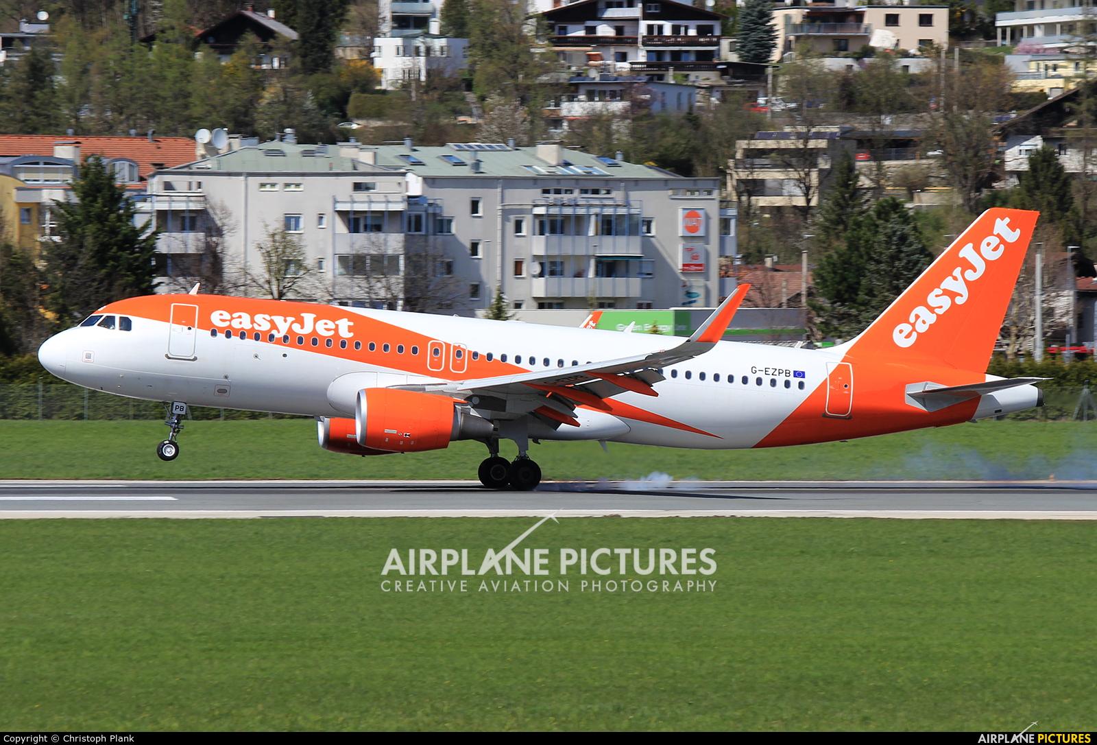 easyJet G-EZPB aircraft at Innsbruck