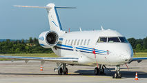 M-FRZN - Private Canadair CL-600 Challenger 605 aircraft