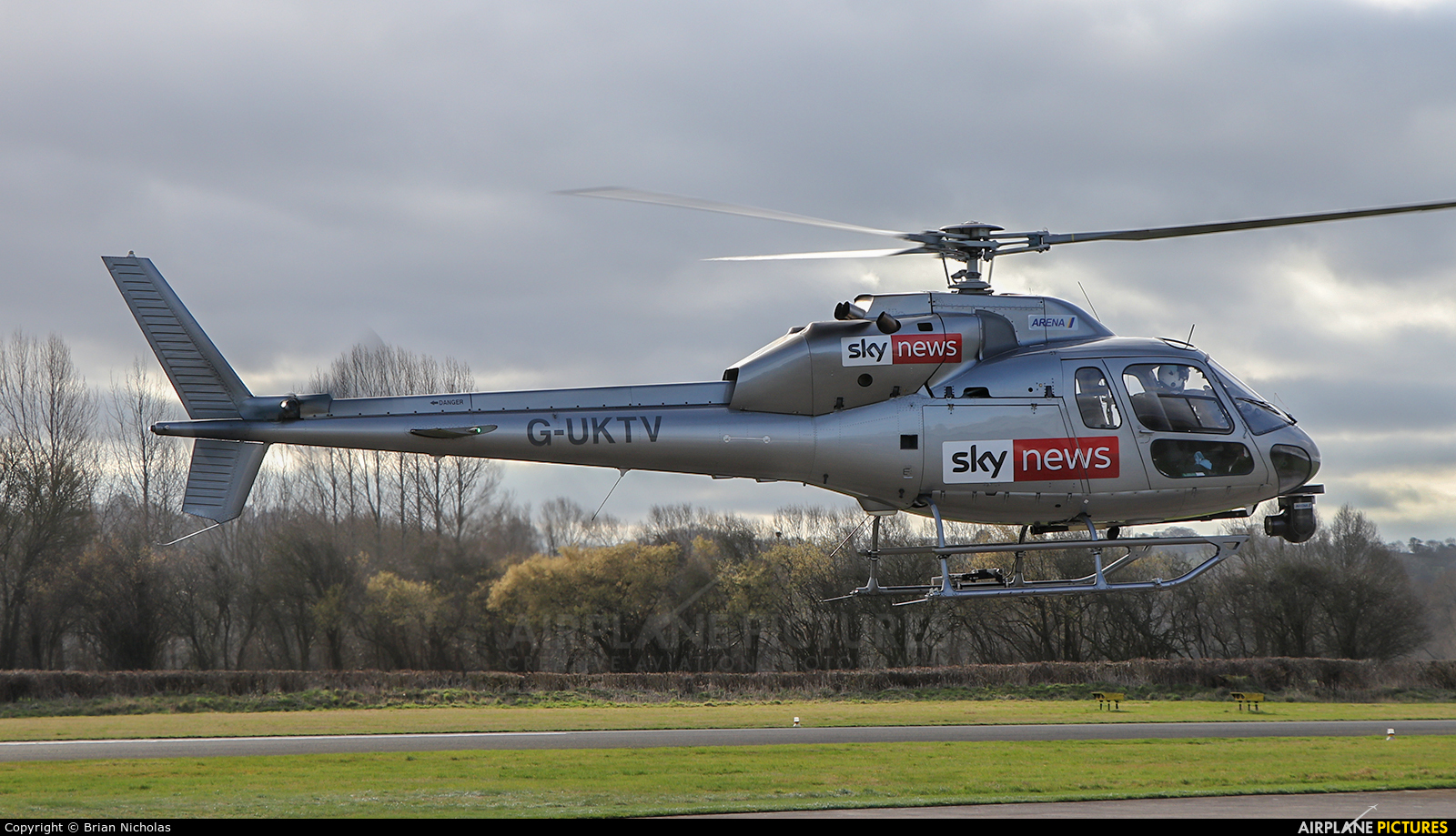 Private G-UKTV aircraft at Welshpool