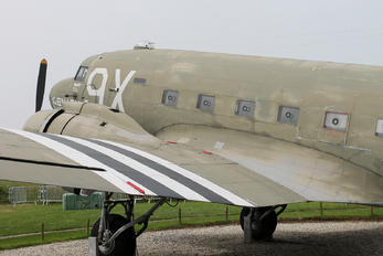 43-15073 - Private Douglas C-47A Skytrain