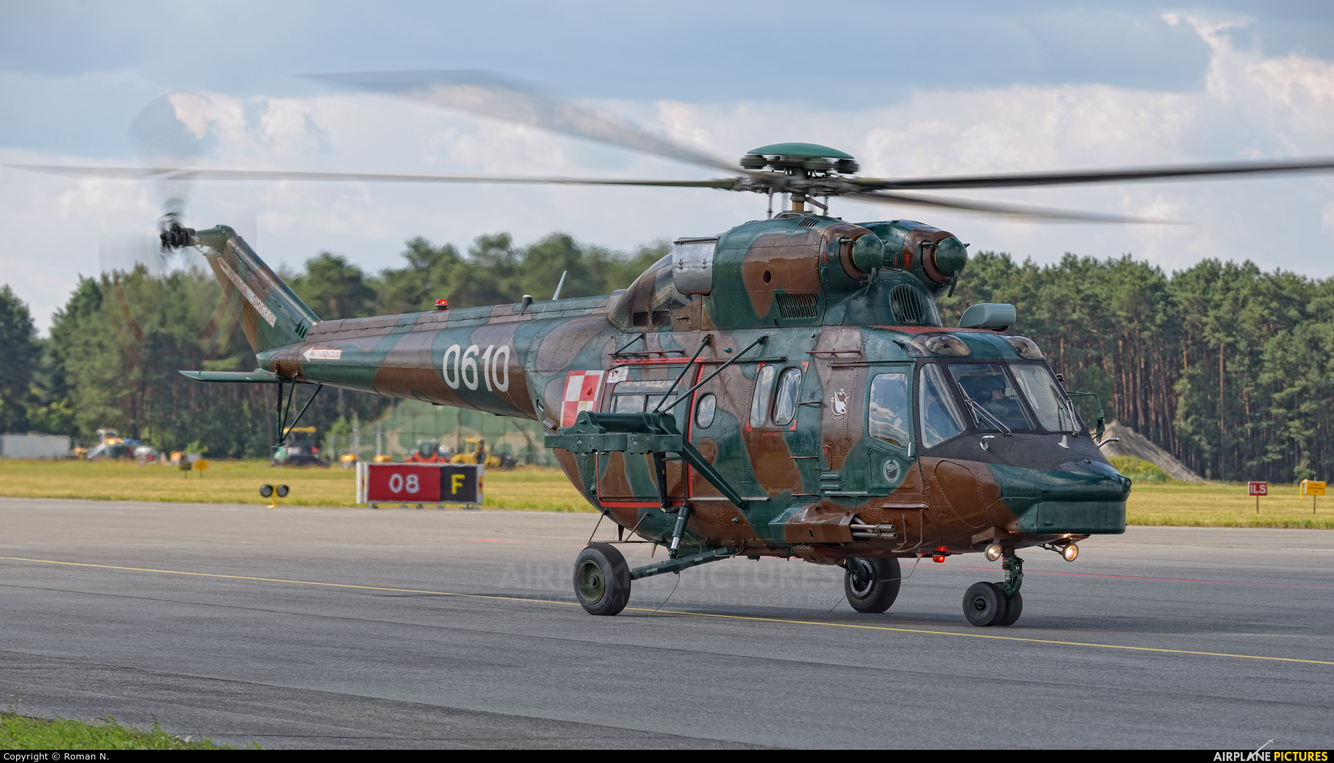 Poland - Army 0610 aircraft at Bydgoszcz - Szwederowo