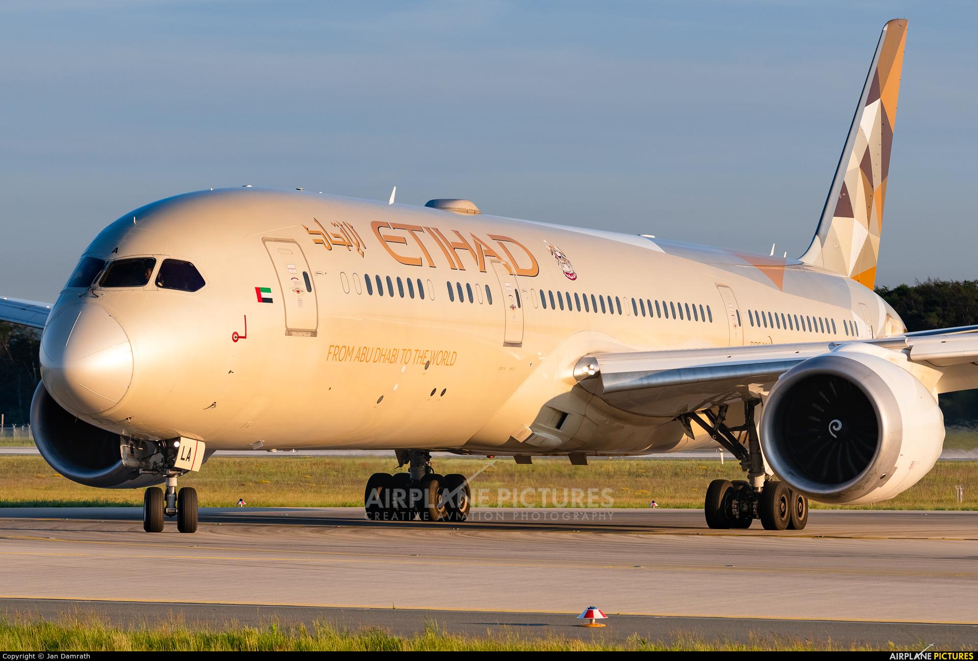 Etihad Airways A6-BLA aircraft at Frankfurt