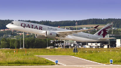 A7-AMH - Qatar Airways Airbus A350-900
