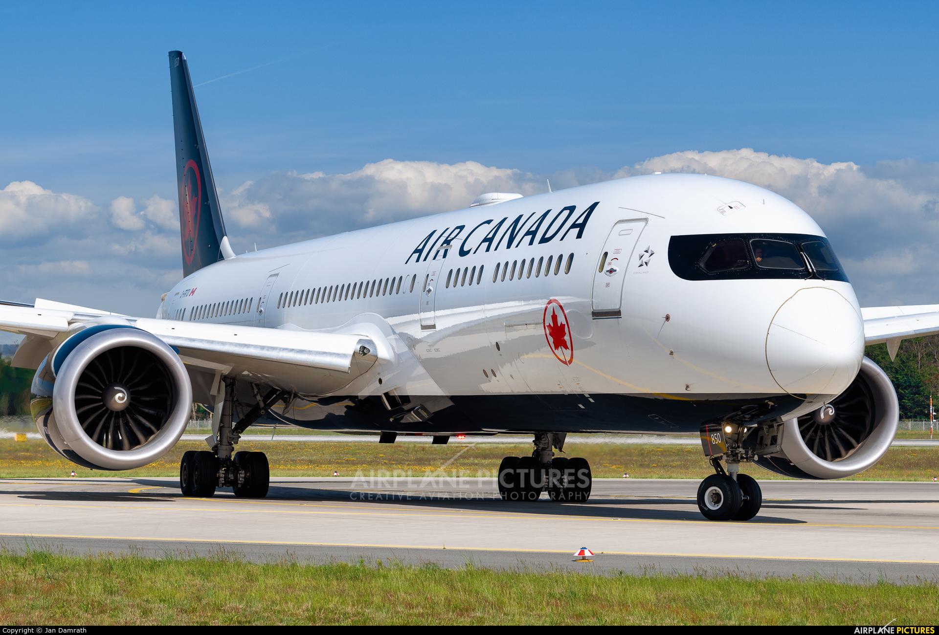 Air Canada C-FRTU aircraft at Frankfurt