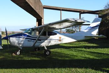 GN-814 - Argentina - Gendarmeria Cessna 182 Skylane (all models except RG)