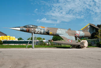 MM6768 - Italy - Air Force Lockheed F-104G Starfighter