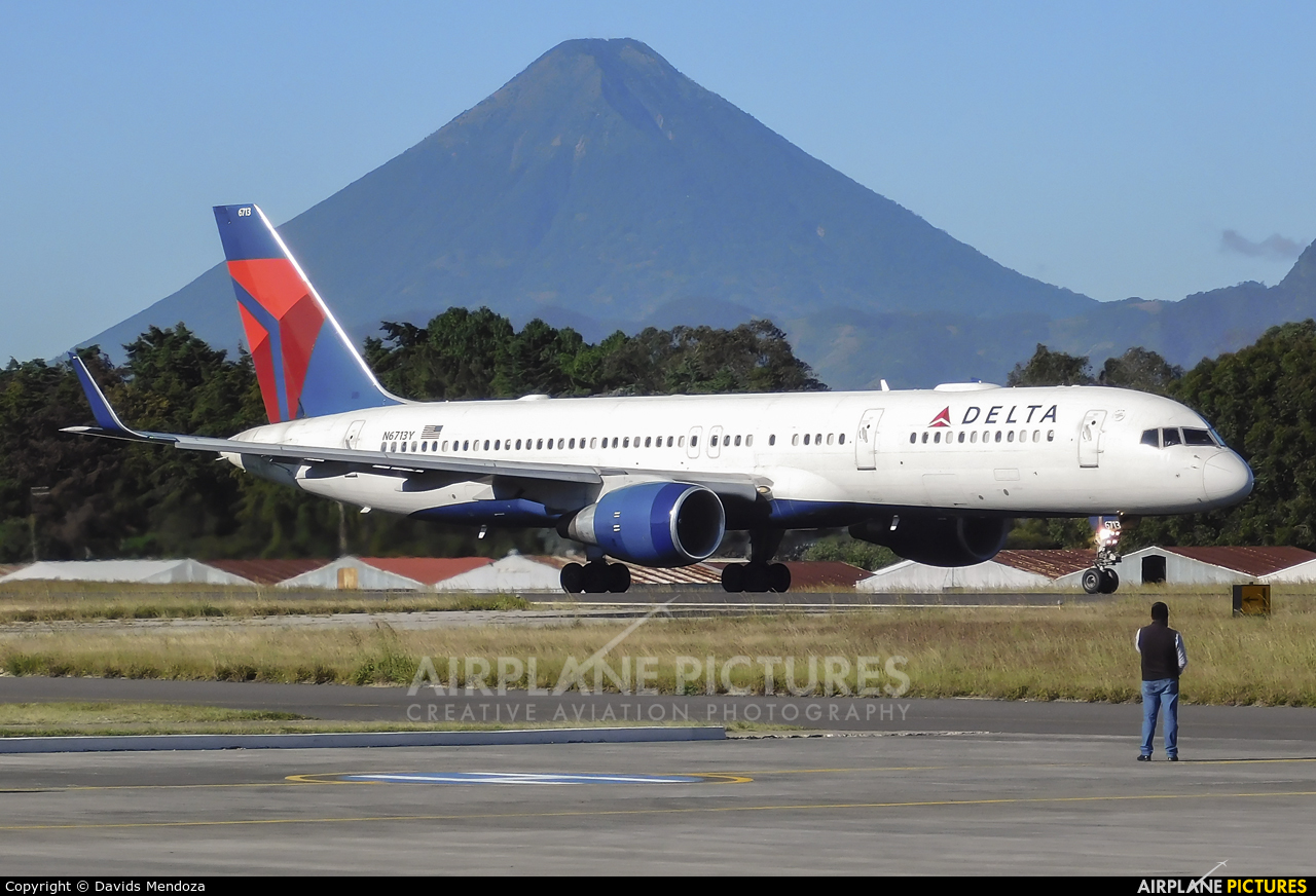Delta Air Lines N6713Y aircraft at Guatemala - La Aurora