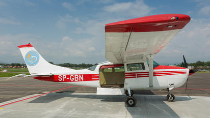 SP-GBN - Private Cessna 206 Stationair (all models)