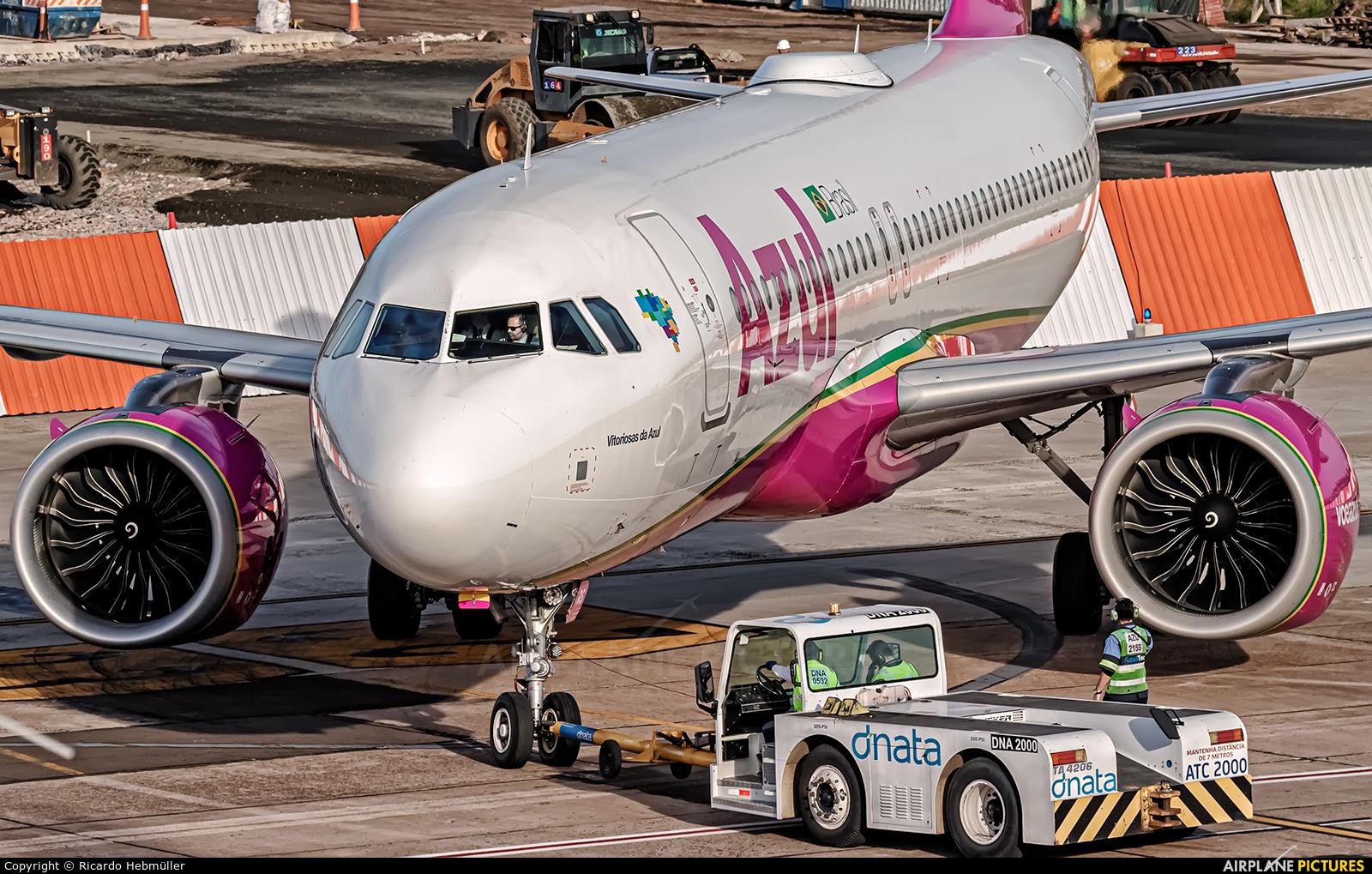 Azul Linhas Aéreas PR-YRS aircraft at Porto Alegre - Salgado Filho