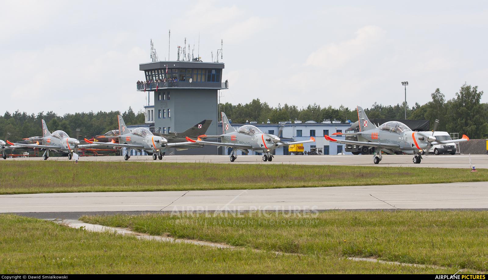 """Poland - Air Force """"Orlik Acrobatic Group"""" 038 aircraft at Świdwin"""