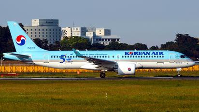 HL8314 - Korean Air Bombardier CS300