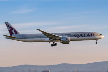 A7-BEX - Qatar Airways Boeing 777-300ER