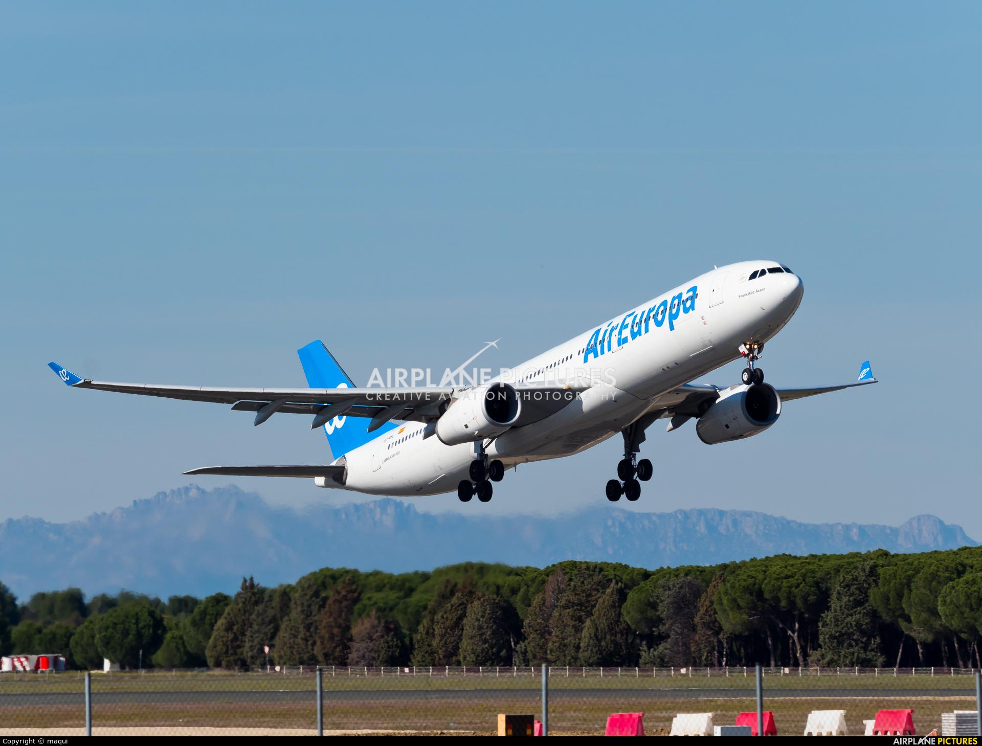 Air Europa EC-MHL aircraft at Madrid - Barajas