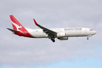 VH-VZI - QANTAS Boeing 737-800
