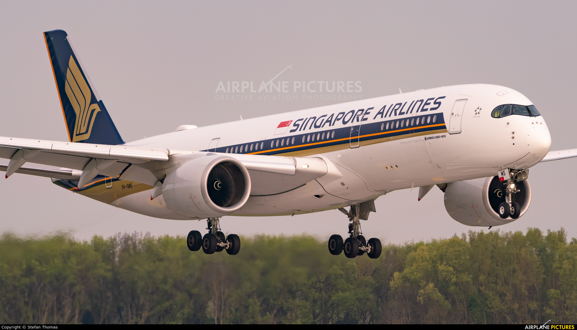 Singapore Airlines 9V-SMS aircraft at Munich