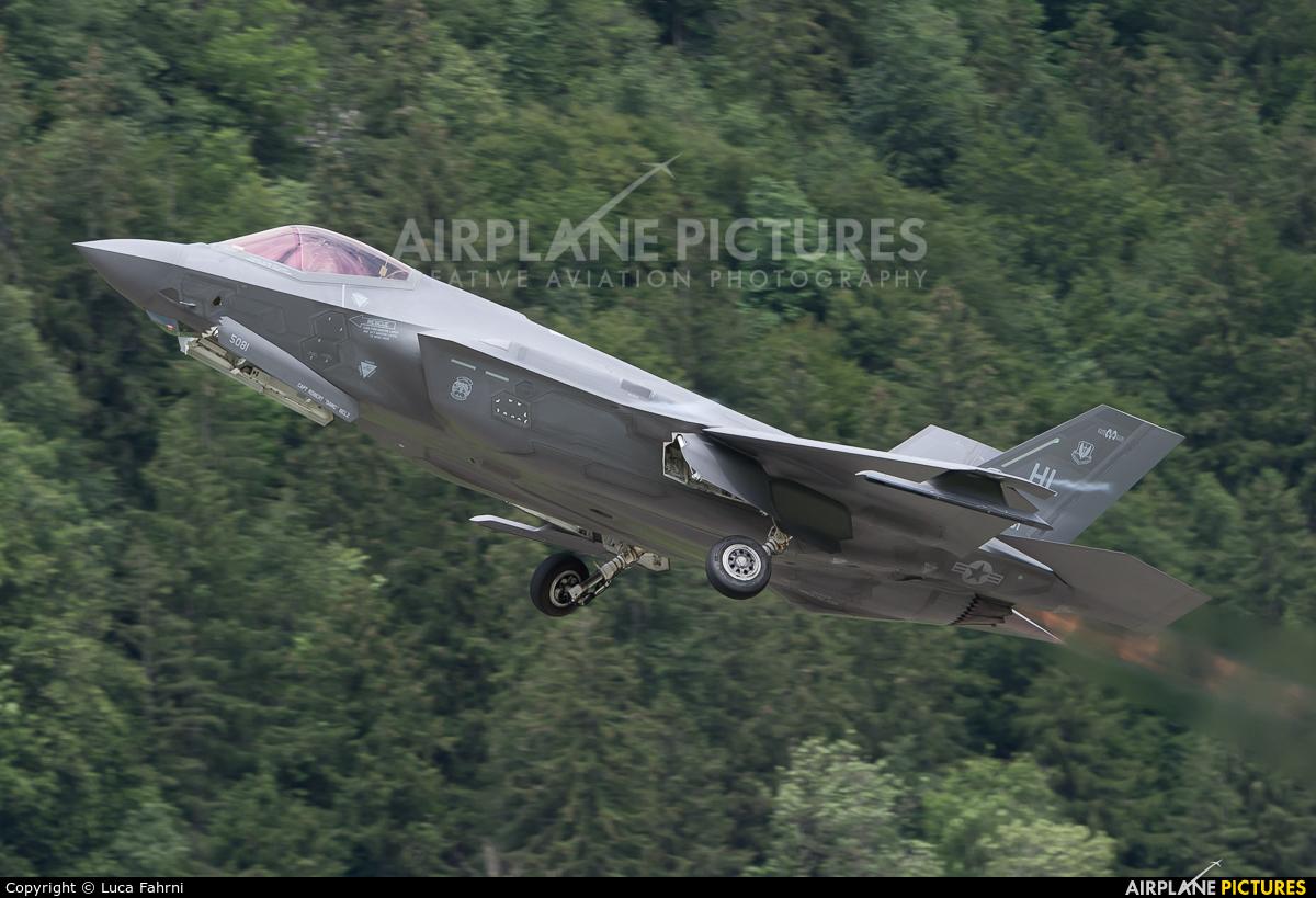 USA - Air Force 13-5081 aircraft at Meiringen