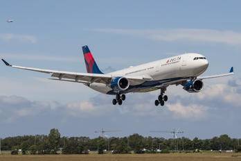 N827NW - Delta Air Lines Airbus A330-300