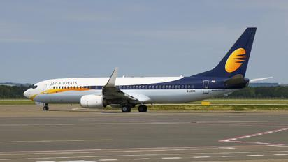 2-JFXX - Jet Airways Boeing 737-800