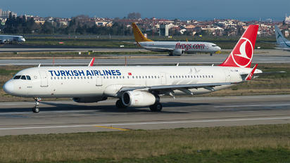 TC-JSM - Turkish Airlines Airbus A321