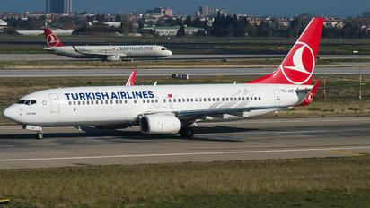 TC-JZE - Turkish Airlines Boeing 737-800