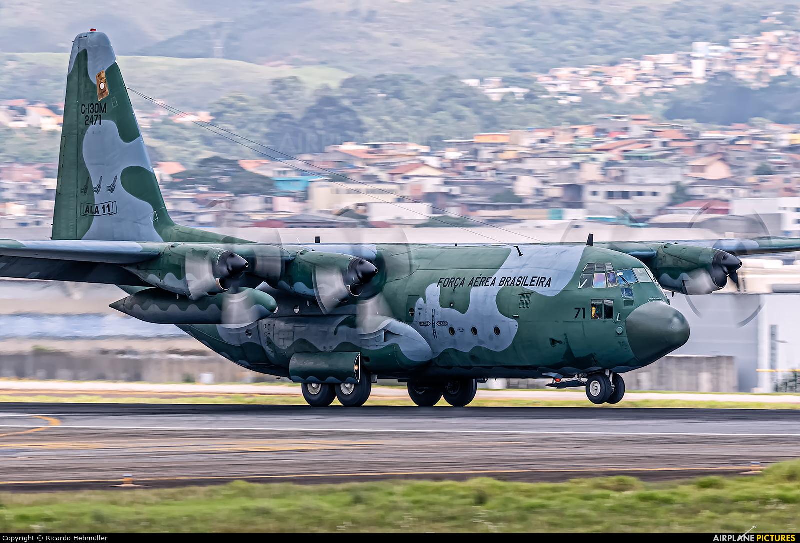Brazil - Air Force 2471 aircraft at São Paulo - Guarulhos