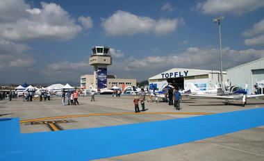 LELL - - Airport Overview - Airport Overview - Apron