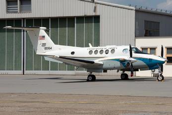 76-0164 - USA - Air Force Beechcraft C-12C Huron