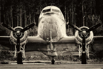 N103NA - Private Douglas DC-3