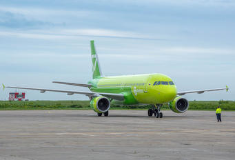 VP-BCS - S7 Airlines Airbus A320