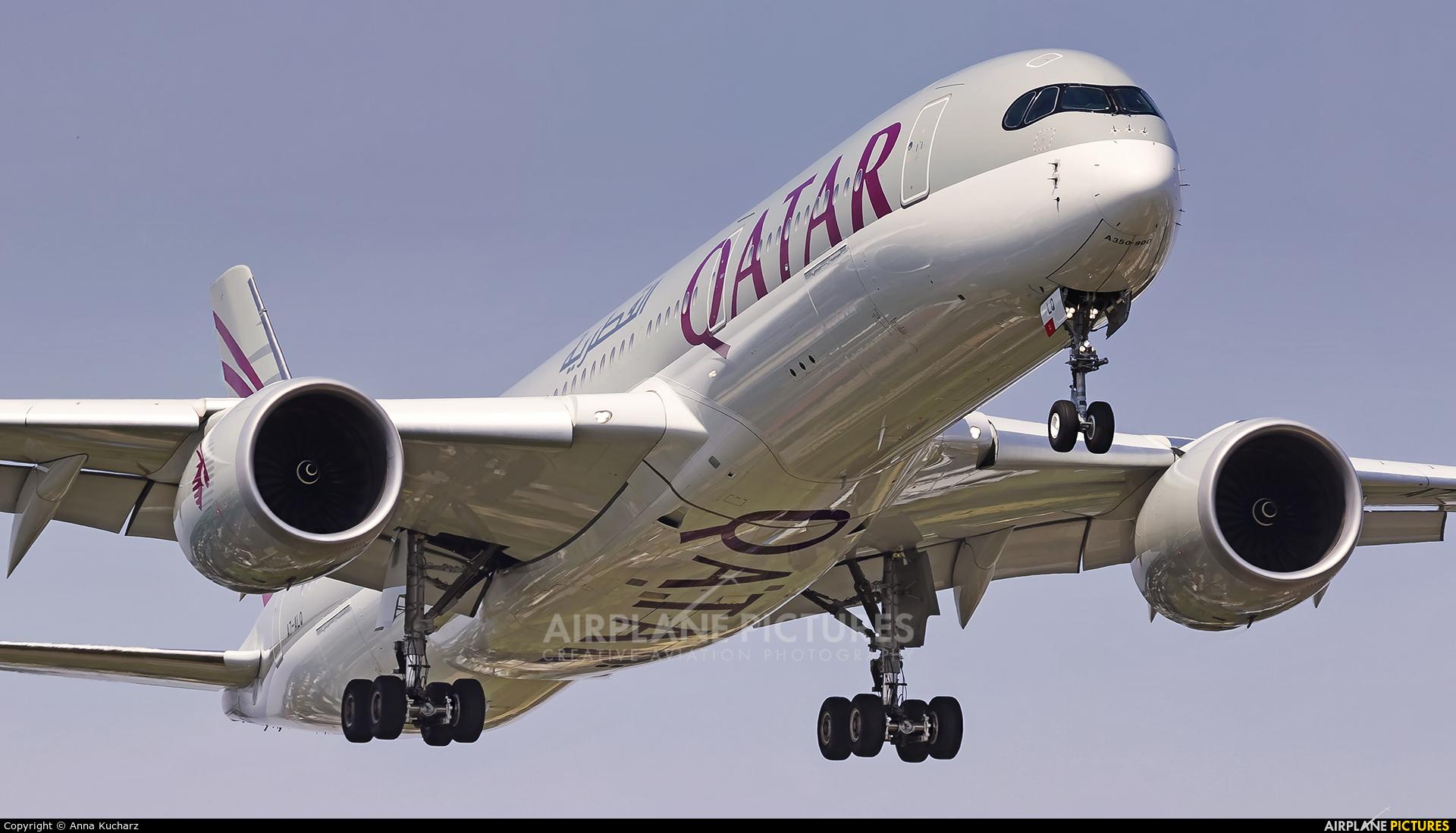 Qatar Airways A7-ALQ aircraft at Warsaw - Frederic Chopin