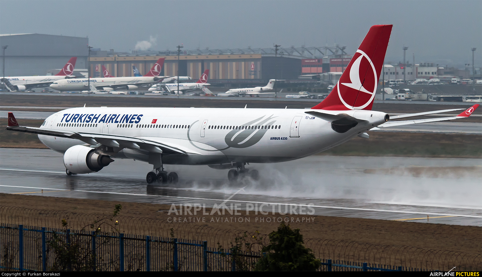 Turkish Airlines TC-JOM aircraft at Istanbul - Ataturk