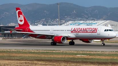 OE-LCJ - LaudaMotion Airbus A321