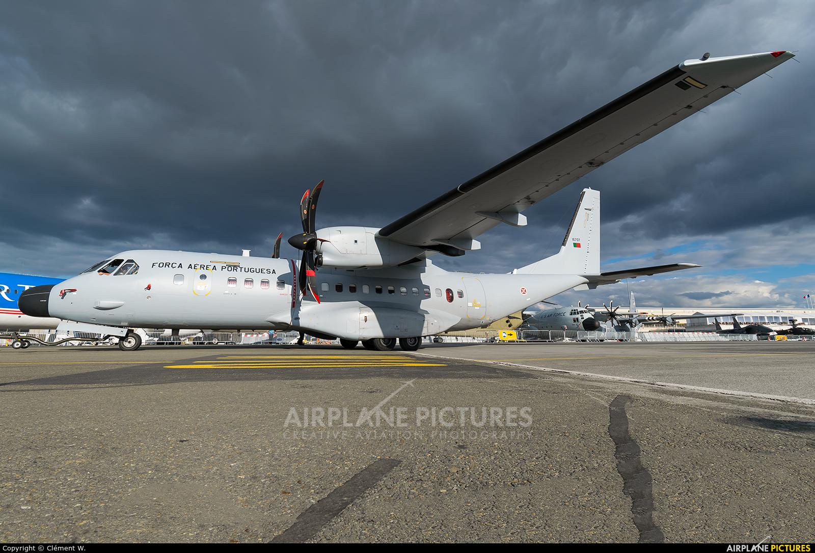 Portugal - Air Force 16707 aircraft at Paris - Le Bourget