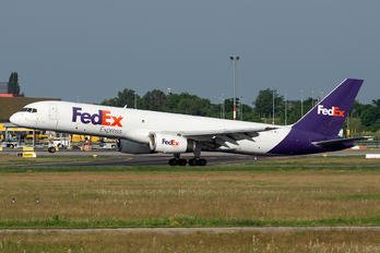 N910FD - FedEx Federal Express Boeing 757-200F