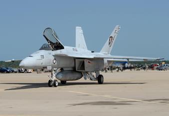 166420 - USA - Navy Boeing F/A-18E Super Hornet