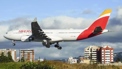 EC-MMG - Iberia Airbus A330-200