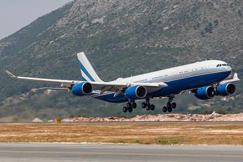VP-BMS - Las Vegas Sands Airbus A340-500