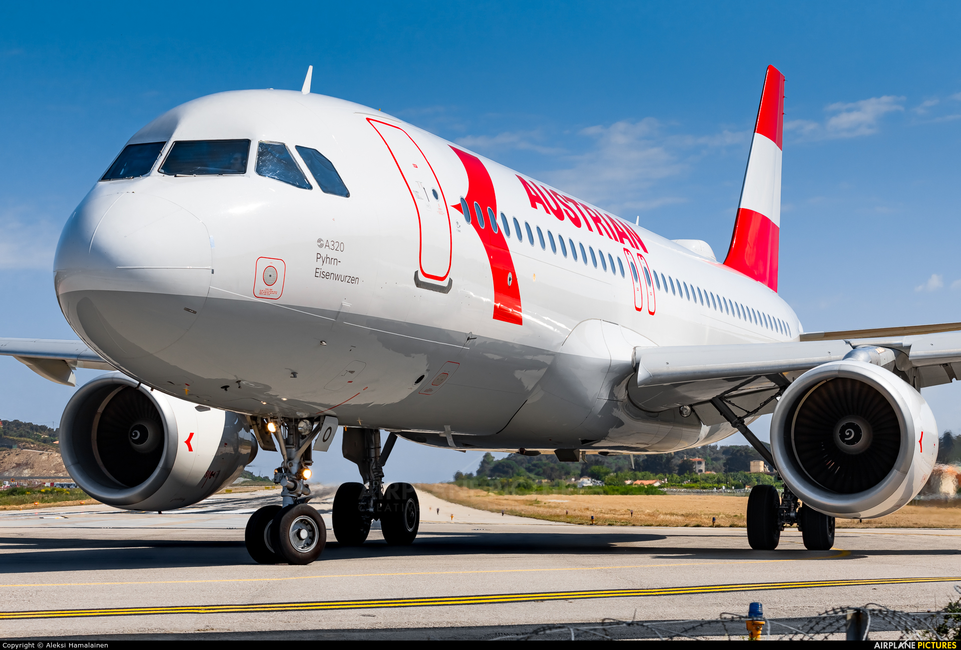 Austrian Airlines/Arrows/Tyrolean OE-LBO aircraft at Skiathos